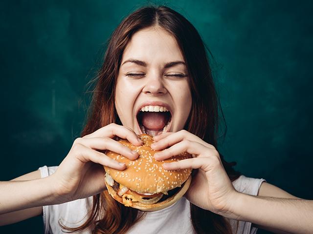 ハンバーガーがかめない