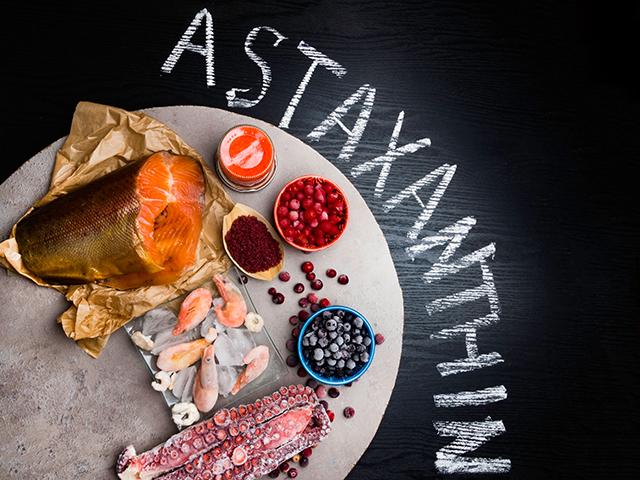 アスタキサンチンが入っている食べ物