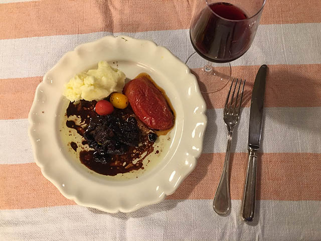 イベリコ豚と赤ワイン