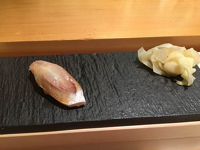 かすご(チダイの幼魚)の昆布締め