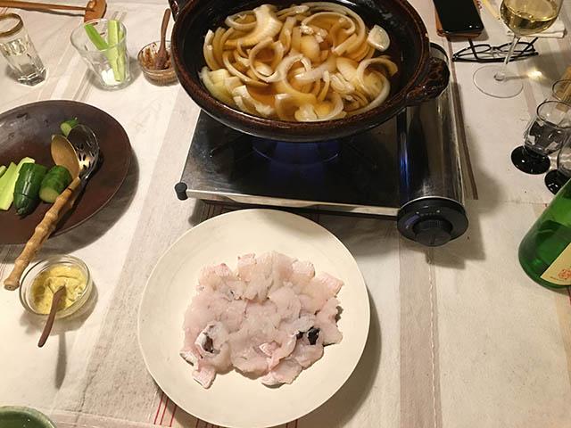 タマネギとハモの鍋