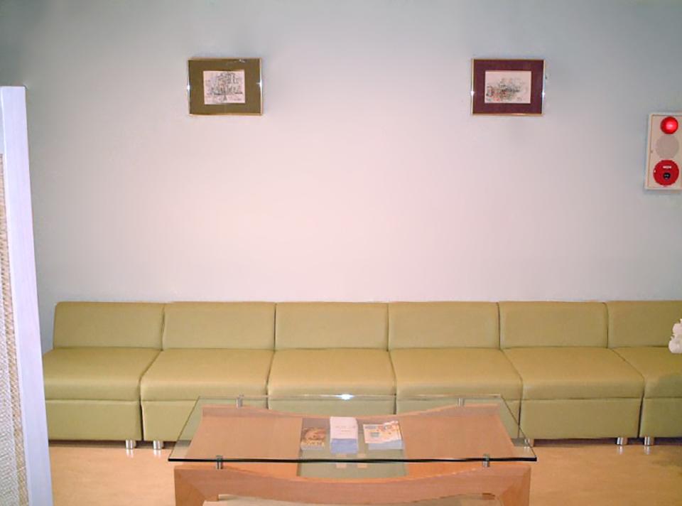 よしの女性診療所、待合室
