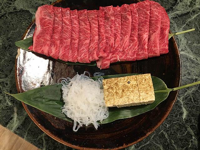 牛肉、焼き豆腐