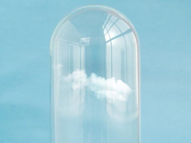 ガラスの中の雲
