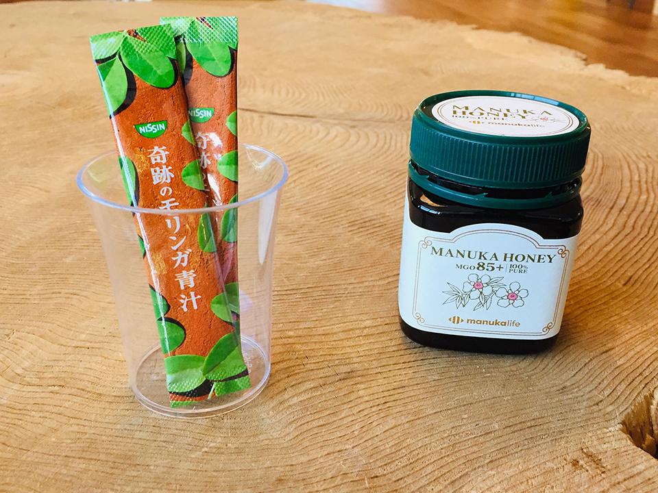 マヌカハニーとモリンガ青汁