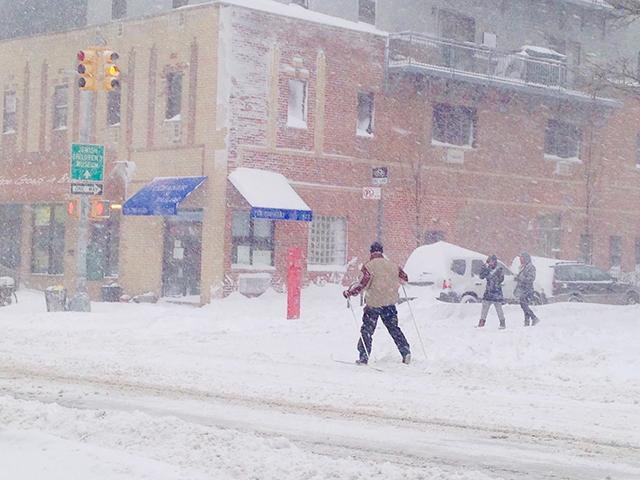 雪が舞うニューヨークの街