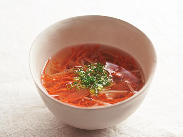 にんじんの千切りスープ