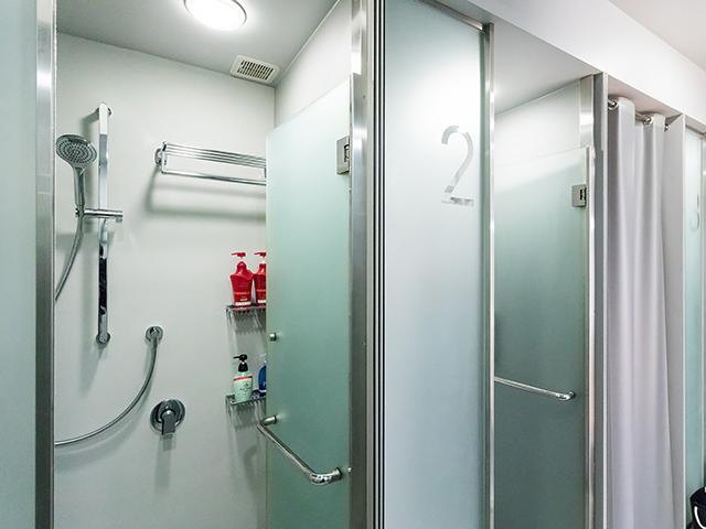 adidas RUNBASEのシャワースペース