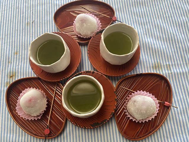 いちご大福と緑茶