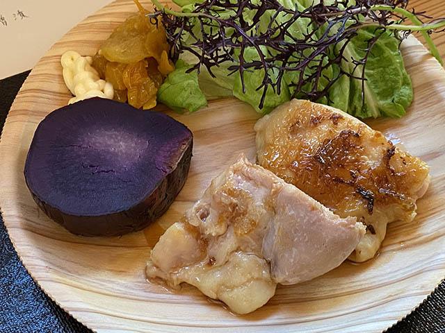 鶏肉のねぎソース、サラダ