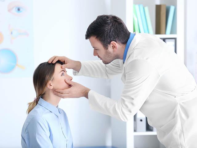 眼科の診察