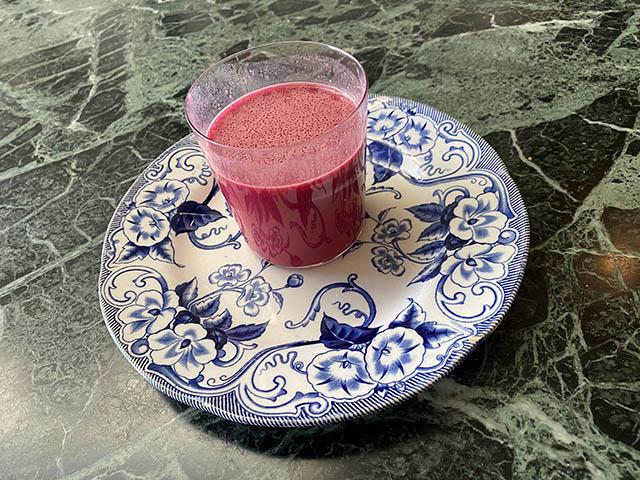 紫にんじんのジュース