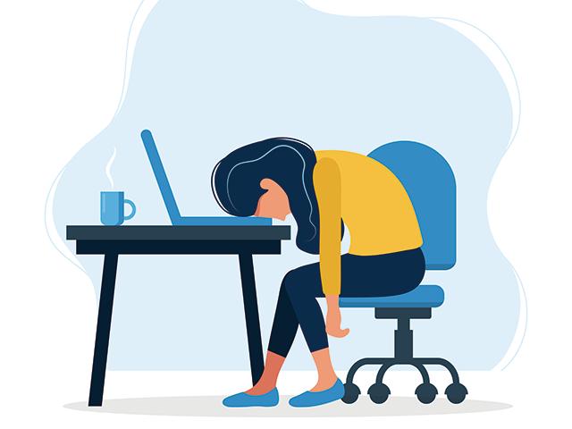 疲労困憊する女性