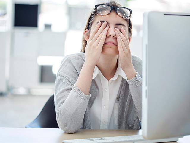 パソコン使用による目の疲れ