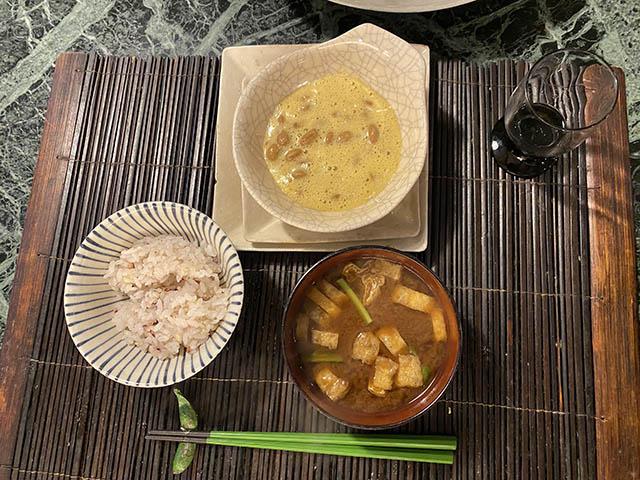 納豆、味噌汁