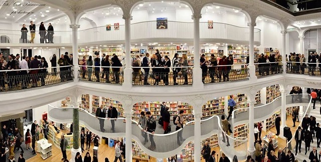 150222ECcarousel-of-light-library4