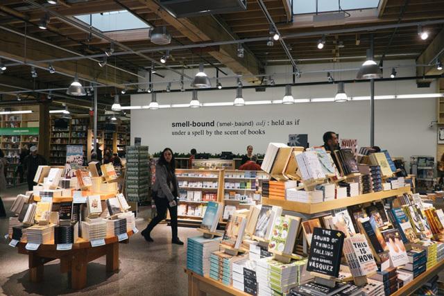 0150413powells-books-2