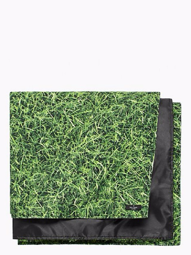 150604ECGRASS IS GREENER PICNIC BLANKET1