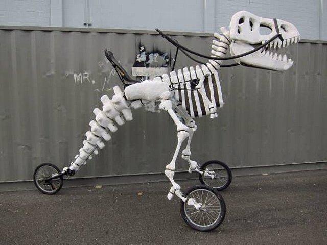 150713ECGiant Rideable T-Rex Art Bike2