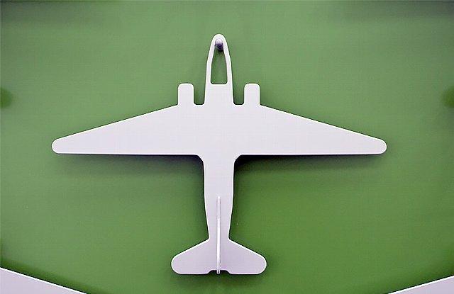 150715ECairplanehanger1