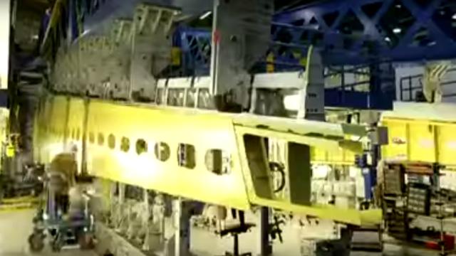 150909airplanemaking06