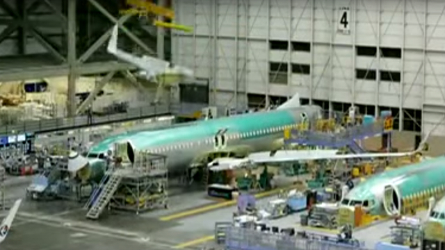 150909airplanemaking08