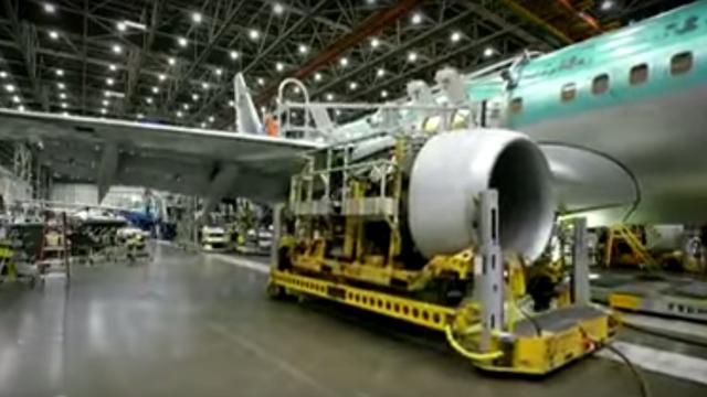 150909airplanemaking12