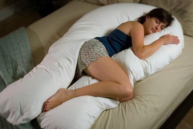 寝正月にぴったりな、スッキリと快眠・安眠アイテムをセレクトしました。冬はもちろん、寝ぐるしい夏や、旅先でも使えるアイテムが満載。ピローミストやかぶって眠るまくら、赤ちゃんがもっとかわいくなるブランケット、イビキ防止ソリューションなど。5
