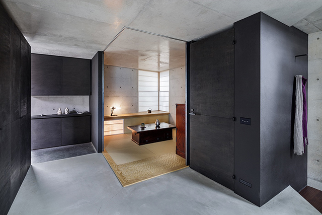 R-Torso-C House by Atelier Tekuto