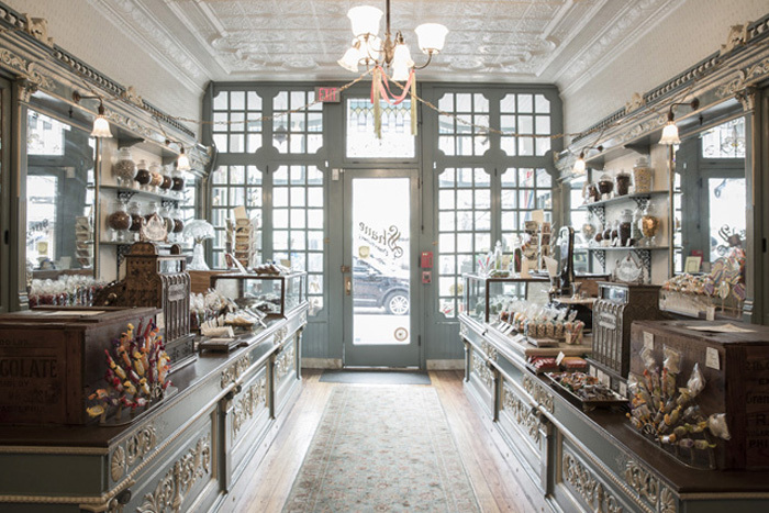 cc2013008 - Shane's Confectionaries for Smithsonian Magazine