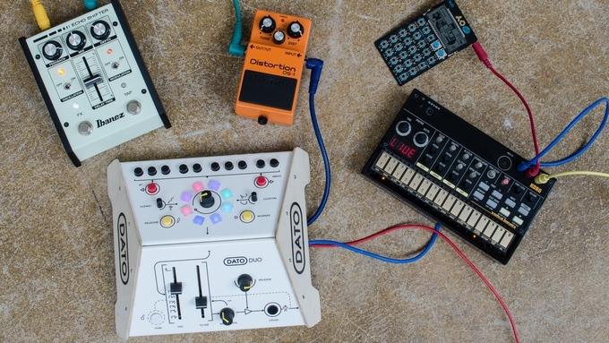 子どもを音楽家に育てたい人のプレゼントに最適な3歳から使える知育玩具のシンセサイザーDato DUO_1