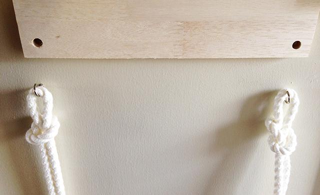 賃貸でも取り付けやすいロープと板を使ったかわいくて便利なオープン収納_2