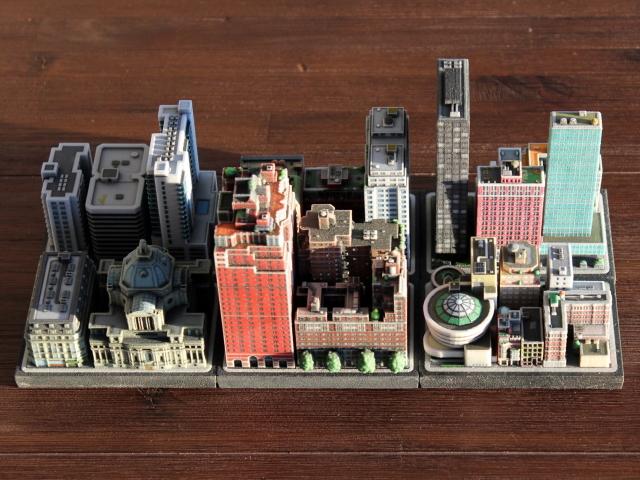 Ittybloxは、#Dプリンターで出力したミニチュアの街並みで、実際に存在する建物や、川、鉄道までもが精巧に表現されています_5