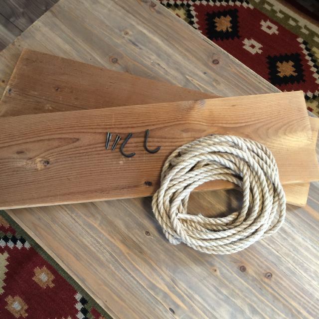 roomclipユーザーがDIYした神棚は日本の伝統的な構造から解き放たれ、ロープや棚板を使ってつくられた神棚はまさかの2段構造_1
