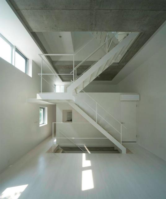 東京のど真ん中に暮らすために遮音とプライバシーを考えたシンプルでミニマルでデザイナーズでおしゃれな銀座の住宅_6