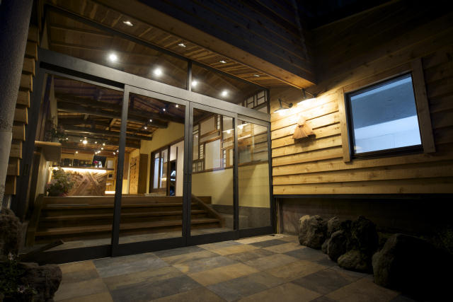 箱根の強羅にある古旅館を改装してオープンした温泉宿HAKONE TENT2