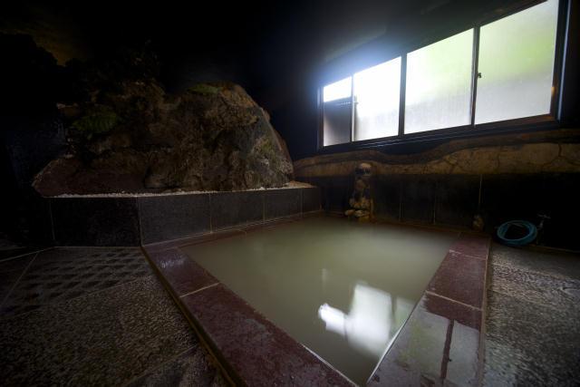 箱根の強羅にある古旅館を改装してオープンした温泉宿HAKONE TENT7
