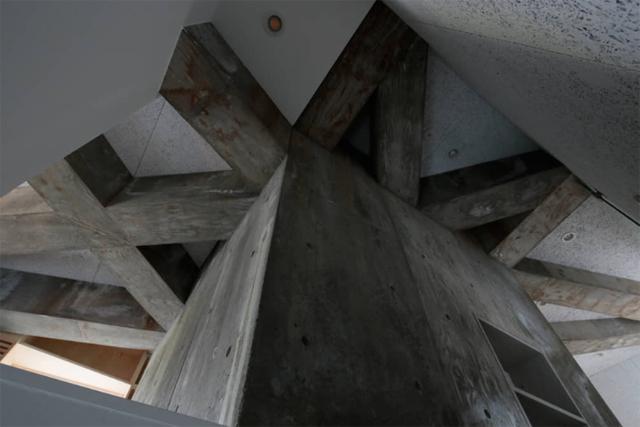 商店街を活性化するツリーハウスのようなおもしろくてデザイナーズな事務所併用住宅の建て替え_4