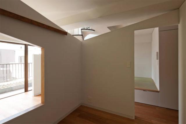 富永大毅建築都市計画事務所によるまだ小さい子どもの部屋をどうするかを解決した素敵なリノベマンション_10