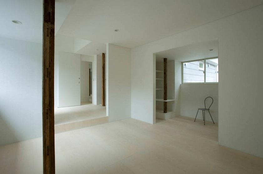 池田雪絵建築設計事務所による、東京都中野区の増築を重ねた木造2階建てのアパートのリノベーション_4