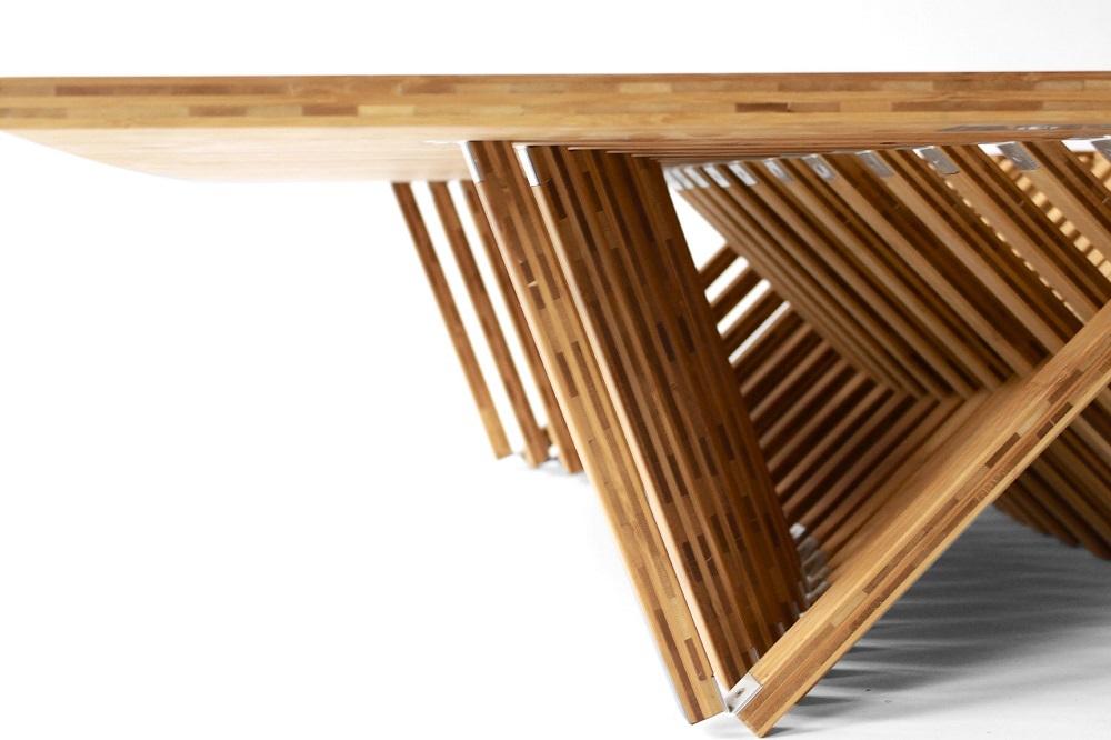 オランダ人デザイナーのRobert Van Embricqs氏がデザインしたテーブルRising Tableは、1枚のフラットな板がダイニングテーブルに変身します_3