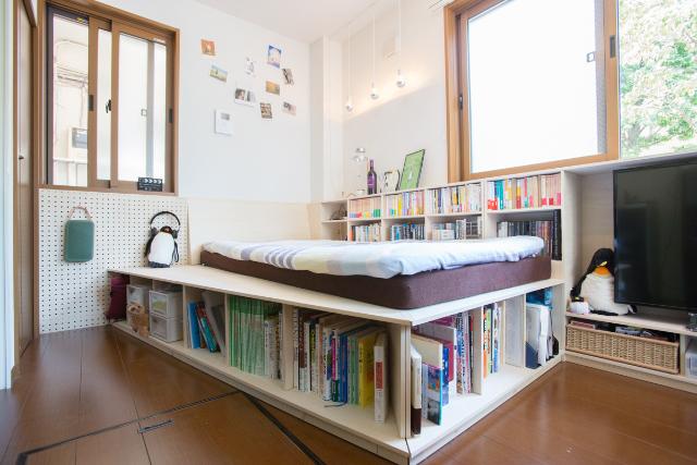 1000冊の本と暮らす。ワンルーム賃貸で大胆にDIY(三軒茶屋)|みんなの部屋 | ROOMIE(ルーミー)
