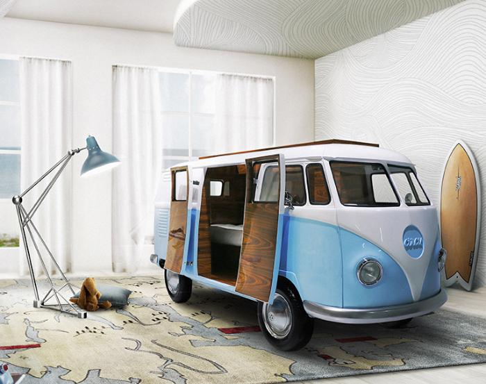 ワーゲンバスそっくりのベッドは、中にコンセントもあるので、テレビやゲーム、パソコンを持ち込んで秘密基地にしたい