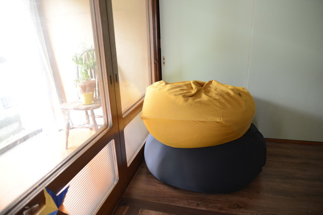 東京の立川でアートとクラフトに囲まれた古民家でおしゃれでナチュラルに暮らす家族_16