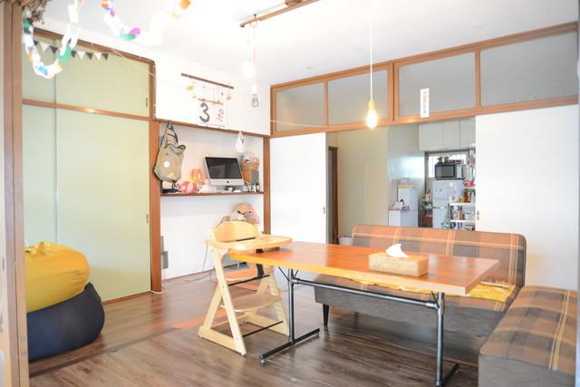 東京の立川でアートとクラフトに囲まれた古民家でおしゃれでナチュラルに暮らす家族_1