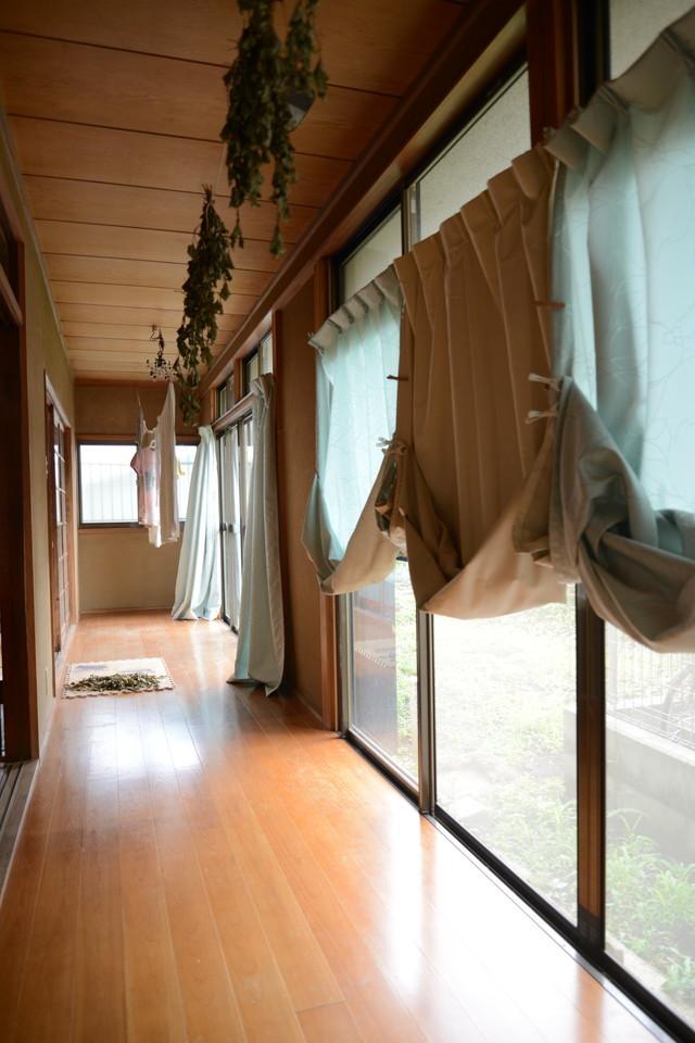 東京の立川でアートとクラフトに囲まれた古民家でおしゃれでナチュラルに暮らす家族_2