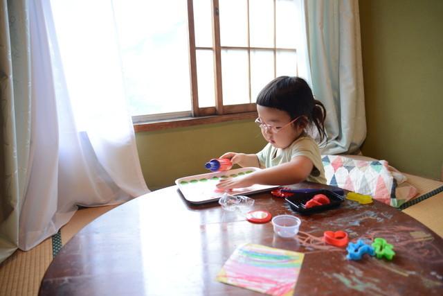 東京の立川でアートとクラフトに囲まれた古民家でおしゃれでナチュラルに暮らす家族_19