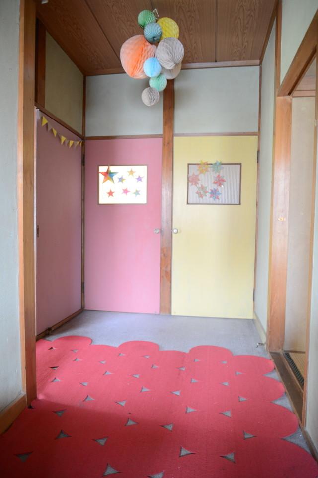 東京の立川でアートとクラフトに囲まれた古民家でおしゃれでナチュラルに暮らす家族_20