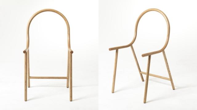 Armは、アメリカ産オーク材を曲げて作成した、座面のないフレームだけの椅子で、ニュージーランドのデザイナー、Clark Bardsleyさんによって制作されました。スツールと組み合わせれば、とたんにアームチェアに早変わりするスグレモノです1