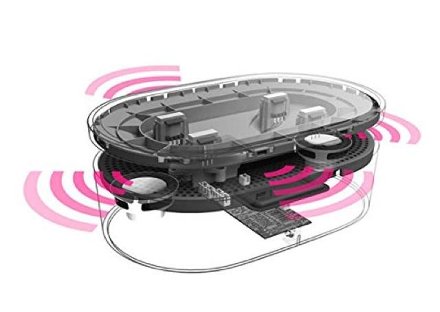 スマートフォンを置くだけで音楽を再生できるOAXIS社の「BENTO」は、電磁誘導センサーがスマホから流れた音を感知する仕組み。そしてそれを拡大する仕組みになっているので、Bluetoothすら必要なくワイヤレスでスピーカーから音楽を流せます2